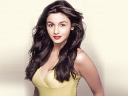 Watch Alia Bhatt Photos Soty