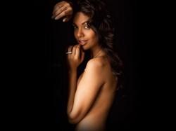 Watch Photos Esha Gupta Bollywood Tour