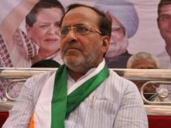 Controversy On Narendra Modi Election Campaign In 3d