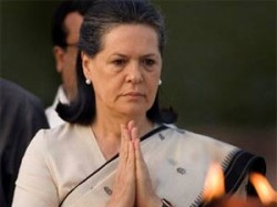 Sonia Ask Why 10 Lac Unemployed Youth In Gujarat
