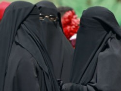 Fatwa Issued Against Muslim Female Receptionists
