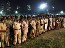 Shivsainiks Remove Thackerays Memorial From Shivajipark