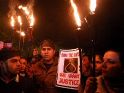 Delhi Gang Rape Victim S Father Says He Wants Her Named
