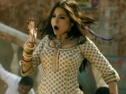 Anushka Sharma Wants All Attention For Matru Ki Bijlee