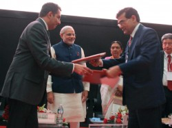 Gujarat Govt Sign 12 Mou Presence Of Narendra Modi