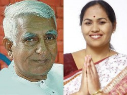 Two Karnataka Bjp Ministers Resign