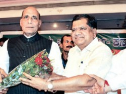 No Crisis In Karnataka Rajnath Singh