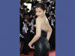 Backless Beauties Of Indian Actresses