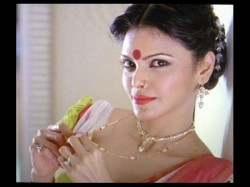 Sherlyn Chopra Out Of Kamasutra 3d Uploading Nude Video