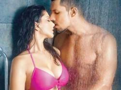 Liplock Scenes Of Bollywood Onscreen Couples