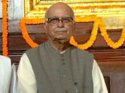 Advani Ask Rajnath To Strictly Fight Against Corruption