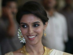 Asin Is Reportedly Thinking Tying The Knot With Nri