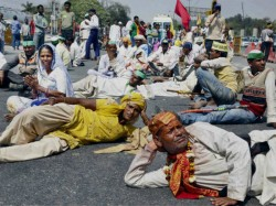 Save Yamuna March Reached At Delhi Stopped By Police