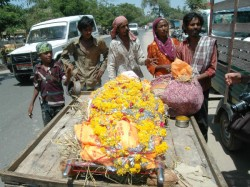 Cremation Of Helpless Poor Families Youth