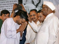 Arvind Kejriwal Anna Hazare On Collision Course Over Lokpal Bill