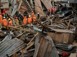 Mumbai 28 Dead Over 50 Injured Thane Building Collapse