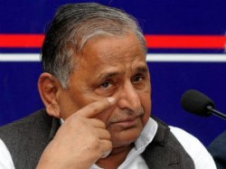 Mulayam Singh Attacks Govt Says China Not Pak The Enemy