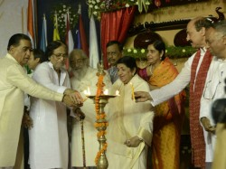 Pics Lata Mangeshkar Inaugurates Vska
