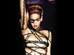 Rihanna Sparks Pregnancy Rumours