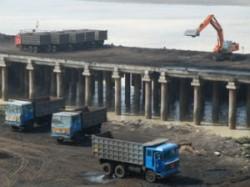 Pollution Control Board S Order To Close Navlakhi Port