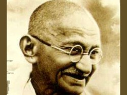 Million Pounds Came In Auction Of Gandhi S Personal
