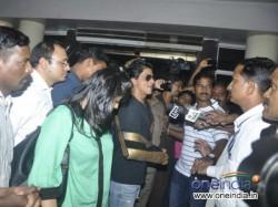 Shahrukh Khan Returned Home After Lilavati Surgery