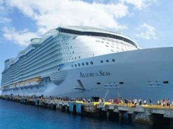 Photo Behind Scenes Of World S Largest Cruise Ship