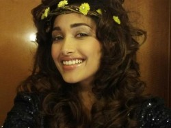 Bollywood Shocked Actress Jiah Khan Suicide Twitter