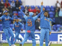 India Beat Srilanka By 8 Wickets To Enter Finals