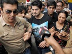 Sooraj Aditya Pancholi Zarina Thank Judge God His Bail