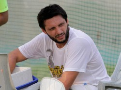 Afridi Take 350 Wickets And 7000 Runs