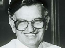 Salman Khurshid S Father Khurshid Alam Khan Died