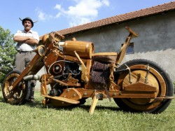 Wood Enthusiast Creates Working Car And Motorcycle