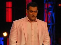 Tv S Top 10 Earning Bollywood Stars