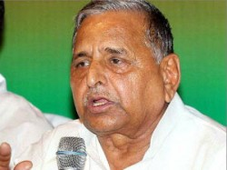 Mulayam Claims Then President Sd Sharma Knew Of Babri Demolition