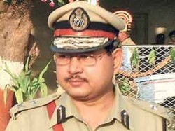 Isharat Jahan Encounter Case Main Accused Pp Panday Surrendered
