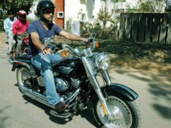 Dhoni S Bike Rides Have Cops Worried