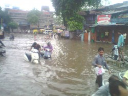 Heavy Rain Ahmedabad People Face Lost Of Trouble Due To Rain