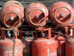 Now Get Lpg Cylinder At Petrol Pump