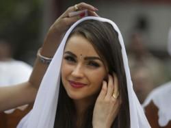 Miss Universe Olivia Culpo S India Tour