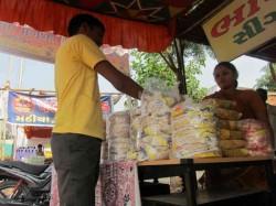 Test Of Gujarat Village Became Popular By Papad Pruduction