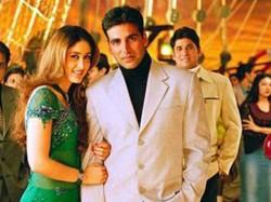 Kareena Kapoor Romance Akshay Kumar Gabbar