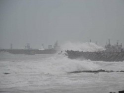 Cyclone Phailin Weakens Heavy Rains Odisha Andhra