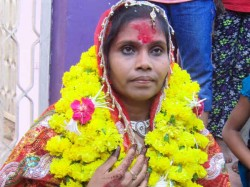 Dead Woman Alive Cremation At Dabhoi