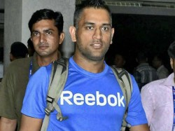 Ms Dhoni Blasts Non Performing Bowlers Says Cant Be Spoon Fed
