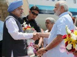 Manmohan Narendra Modi To Share Dais In Ahmedabad