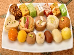 Excess Diwali Sweets Can Cause Kidney Stone