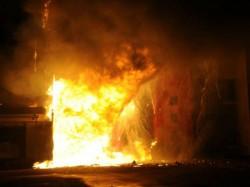 Delhi 6 Die 10 Injured In Garment Factory Fire