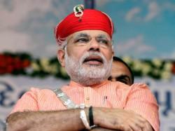 Congress Moves Ec Over Narendra Modi S Khooni Panja Note