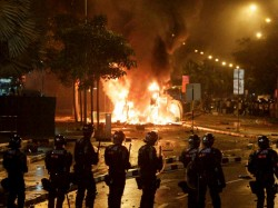 Indian Worker S Death Sparks Violence Singapore
